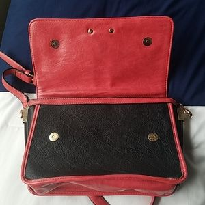 Bags - Faux leather purse